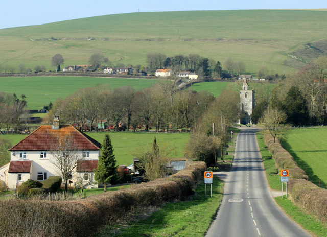 2012 : B3095 near the bottom of King's Hill into Kingston Deverill
