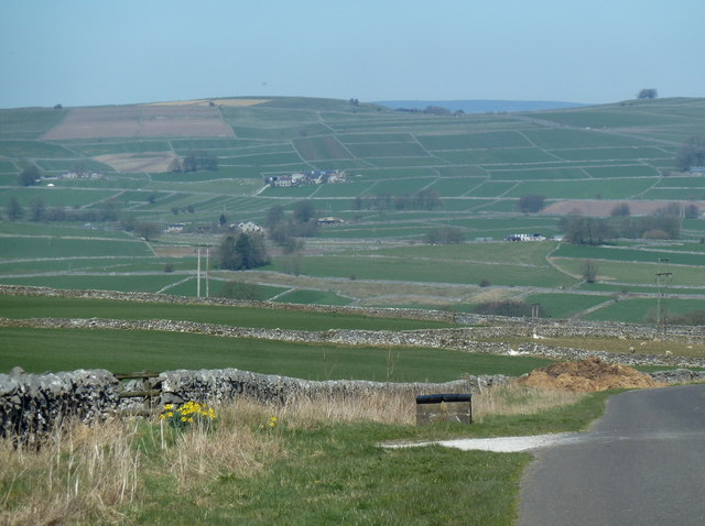View by the driveway to Highlow Farm