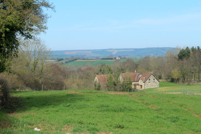 2012 : Farmhouse seen from Sutton Hill