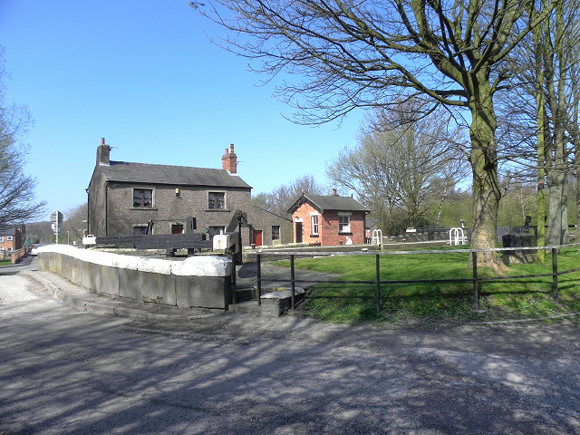 Withington Lane and Wigan Top Lock
