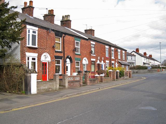 Terraced housing in Holmes Chapel Road