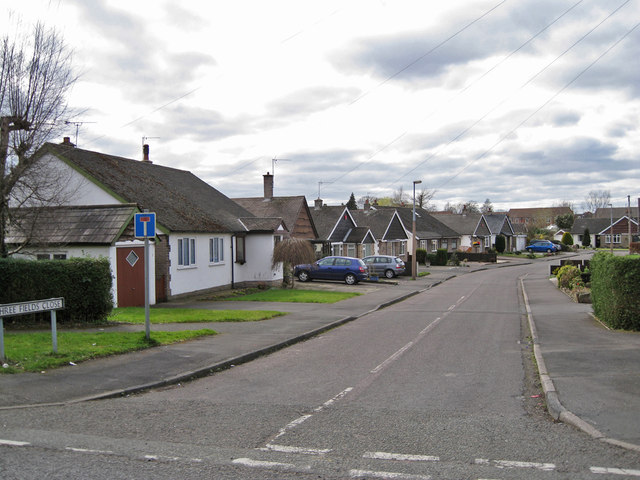 Three Fields Close, West Heath