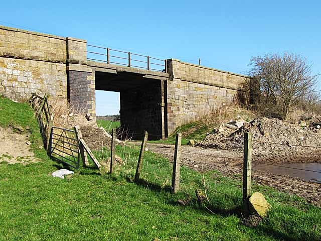 Old railway bridge on Daviesdykes road