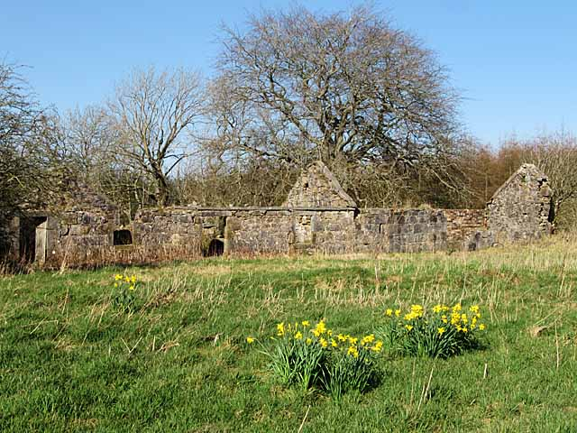 Ruined buildings of Cairney near Brow
