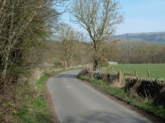 Lane towards Hope from Bradwell