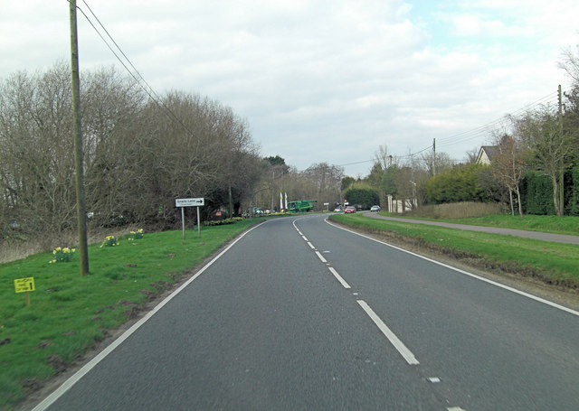 A338 approaches junction with Snail's Lane
