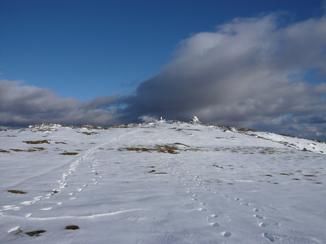 Approaching the summit of Beinn a' Chuallaich