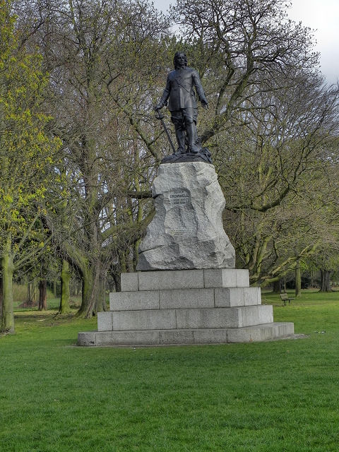 Wythenshawe Park, Oliver Cromwell Statue