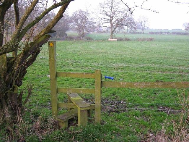 Footpath towards Grove House Farm
