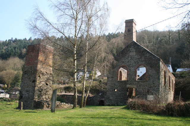 Compressor House and Crusher chimney, Snailbeach Lead Mine