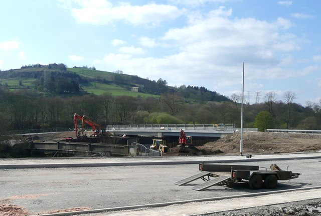New river bridge under construction at Milner Royd