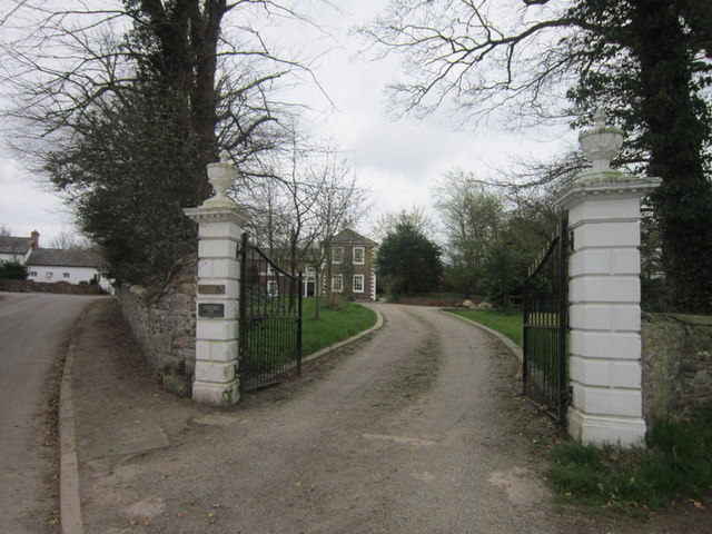 The entrance to Longburgh Pool
