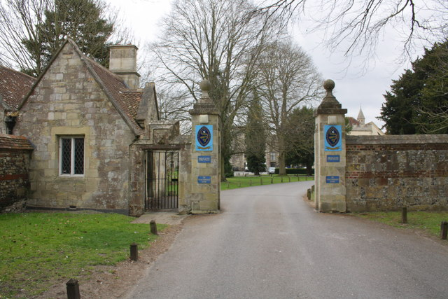 Entrance to Cathedral School on Bishop's Walk