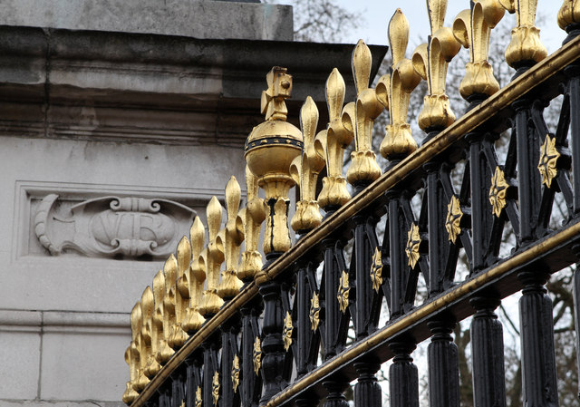 Railings, Buckingham Palace