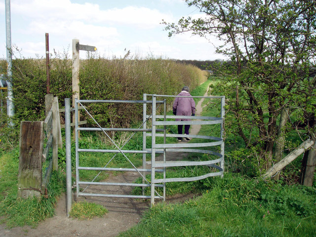 Kissing gate on the B5193
