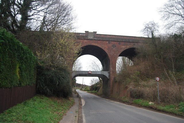 Railway bridge over Station Rd