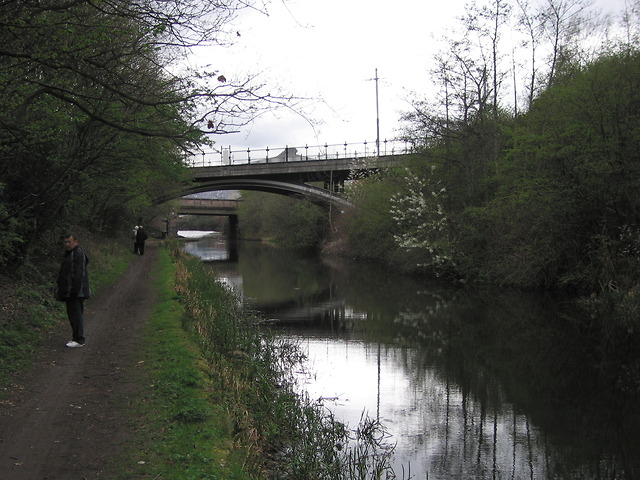 Tram bridge over the Sheffield & Tinsley Canal