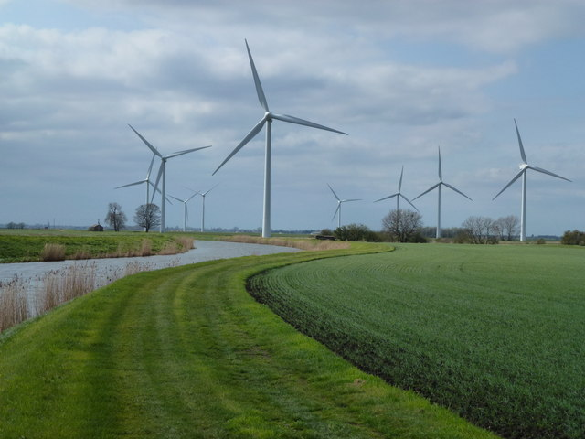 Wind turbines and The River Nene (old course)