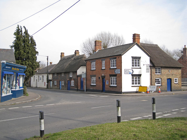 Cottages at a crossroads, Chinnor