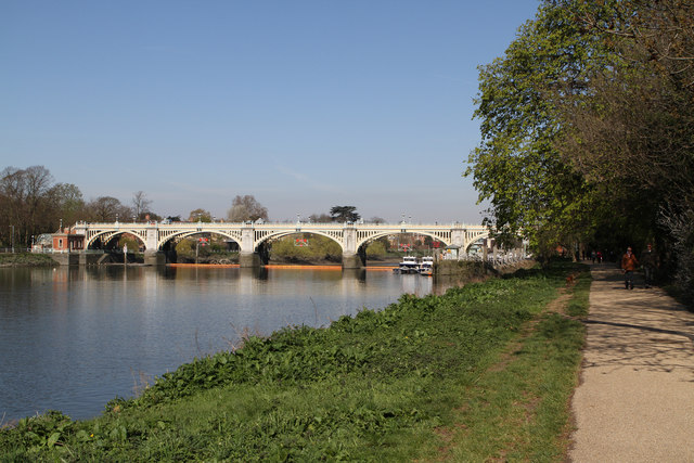 Richmond Lock and Footbridge