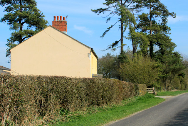 2012 : Dairy Farm from Kingston Lane