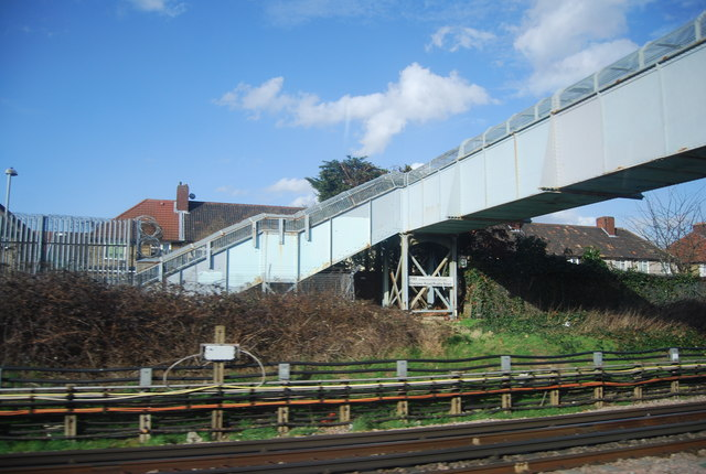 Footbridge over the District Line, Becontree
