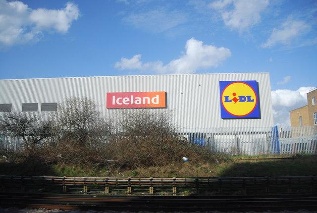 Iceland and Lidl, Dagenham Heathway