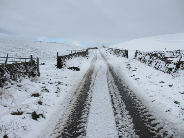 Lane to High Birkwith on a snowy morning