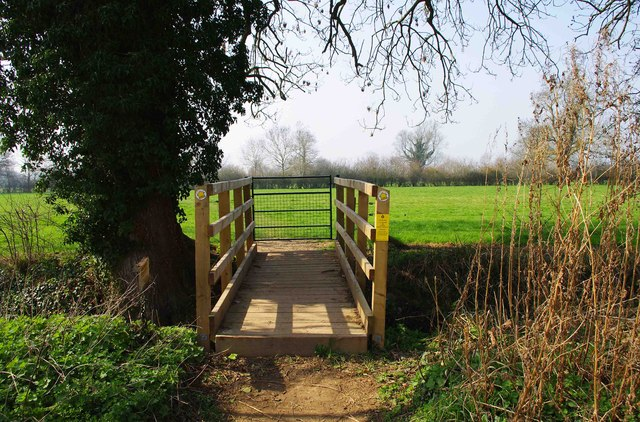 Footbridge and gate on Seven Stiles Stroll, near Lechlade on Thames
