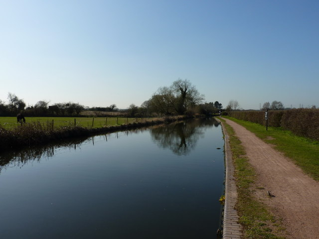 Along the cut, just above Bratch locks