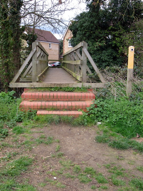 Footbridge into Henlow