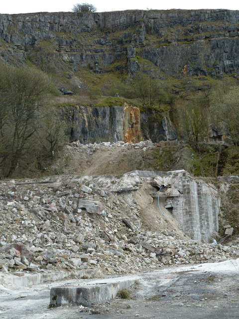 Closed workings at Hopton Quarry