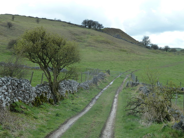 Footpath west of Middleton