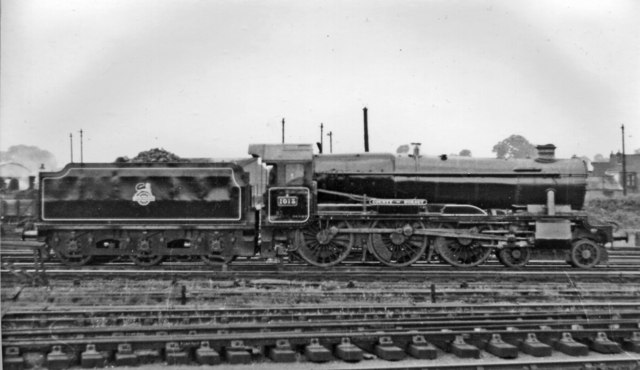 GW 'County' 4-6-0 leaving the Locomotive Depot at Gloucester