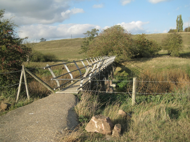 Footbridge across the Warwickshire Avon