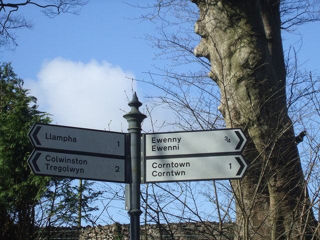 Ewenny to Wick Road, Signpost