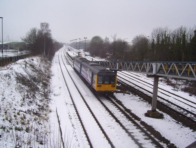 Train approaching Kirk Sandall