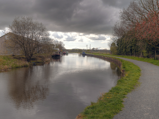 Leeds and Liverpool Canal, Hapton