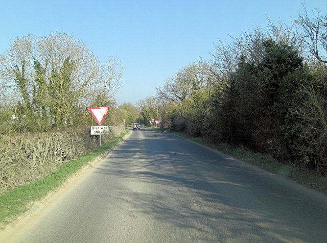 Un-named road crosses Ashton Road