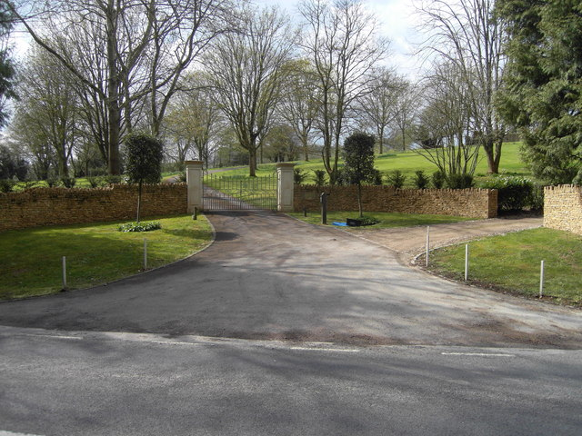 Entrance drive to Hammerton House