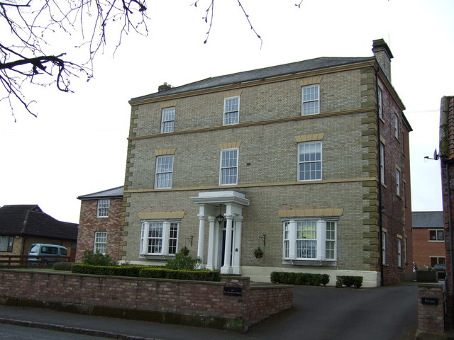 De Mowbray House, Sowerby