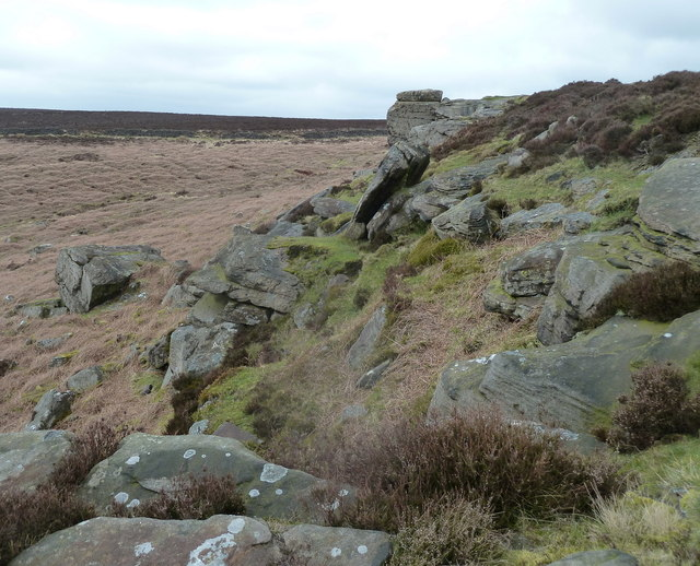 Rocky outcrop at the north end of White Edge