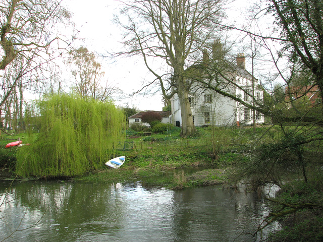 River Waveney and Syleham House