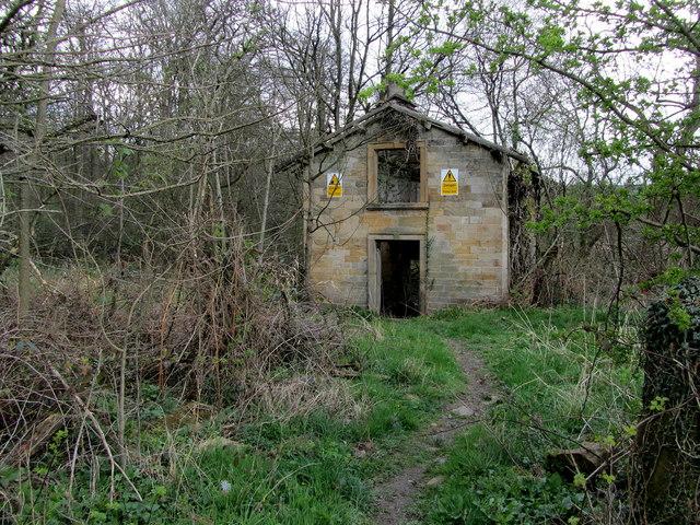 Abandoned Boathouse Beside Farnley Lake 169 Chris Heaton Cc
