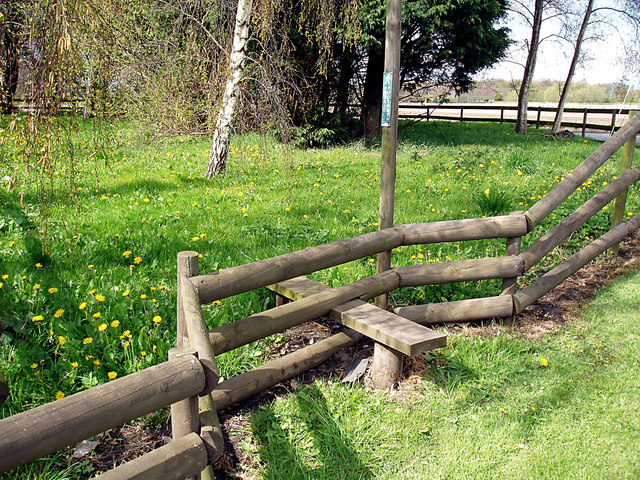 Stile for path leading to Nuck's Wood