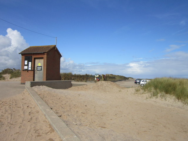 Sea front parking at Huttoft Bank
