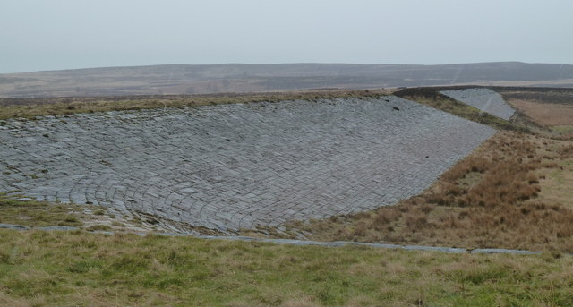 Dam wall of the former Barbrook reservoir