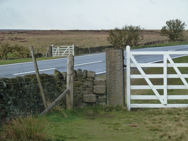 Gates either side of the A621