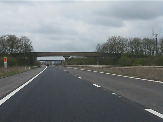 M45 motorway - Onley Fields accommodation bridge