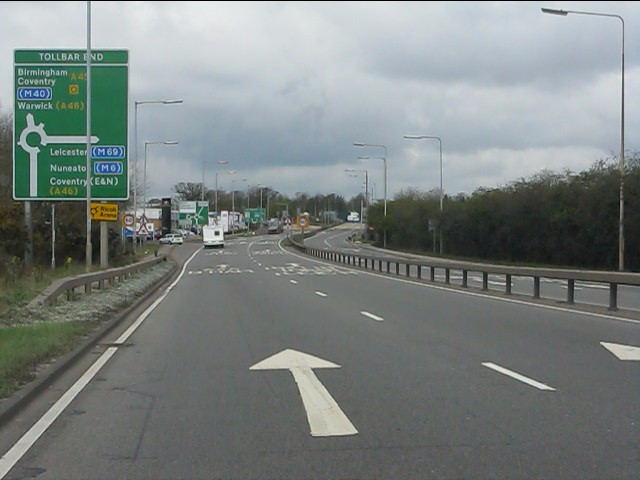 A45 approaching Tollbar End junction